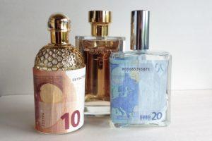 De prijs van parfum: gebakken lucht of bloed, zweet & tranen?