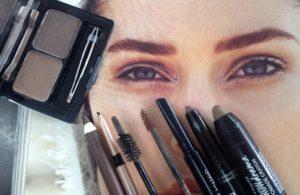 wenkbrauwen: accessoires van het gezicht
